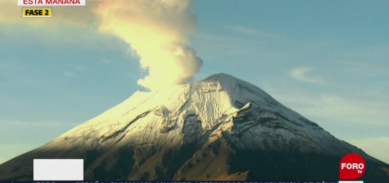 Volcán Popocatépetl emite exhalación de 800 metros de altura