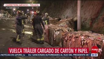 FOTO: Vuelca tráiler cargado de cartón en carretera México-Toluca, 30 Junio 2019
