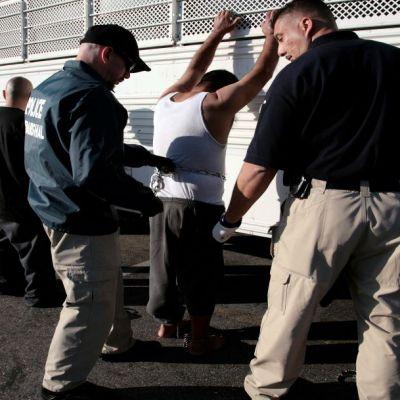 Abogados, listos para apoyar a migrantes mexicanos ante redadas en EU, dice cónsul
