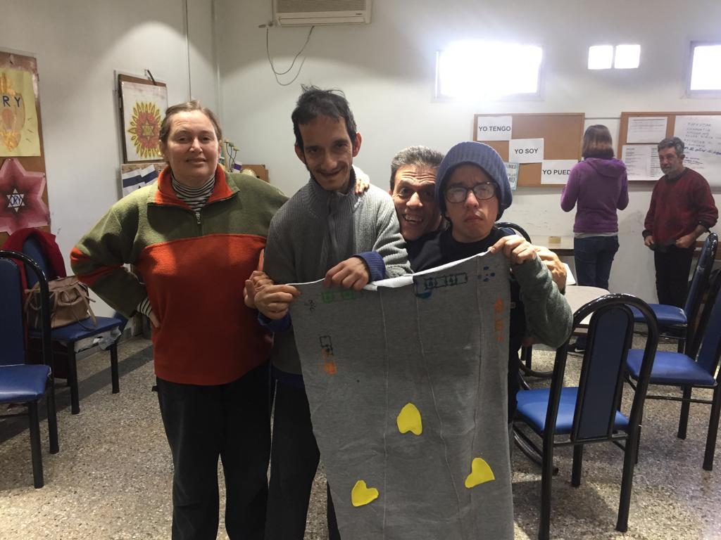 personas-discapacidad-perros-sin-hogar-mantas-frio-Argentina