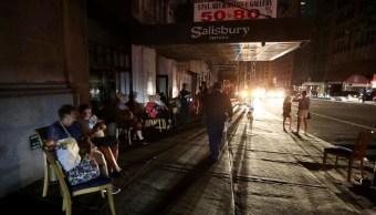 Piden investigar causa del apagón en Manhattan