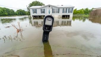 """Foto: Los estragos en un vecindario en Youngsville, tras el paso de """"Barry"""", 14 de julio de 2019 (Reuters)"""