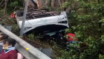 Foto Camión de pasajeros vuelca en Nayarit y deja 8 muertos 18 julio 2019