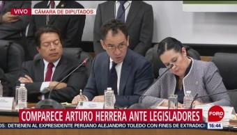 El secretario de Hacienda, Arturo Herrera, comparece ante legisladores