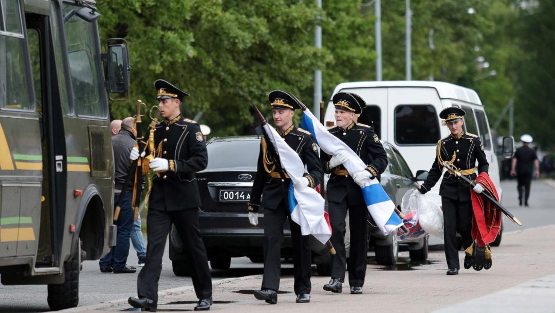 Foto: Sepultan en San Petersburgo a los marineros del submarino accidentado., 6 julio 2019