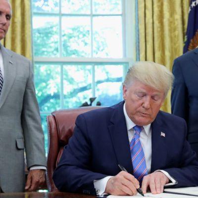 Trump descarta aranceles a México y celebra control migratorio