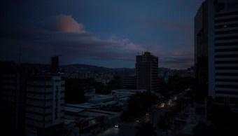 Foto: Vista panorámica de la ciudad de Carcas, Venezuela, sin luz. El 22 de julio de 2019