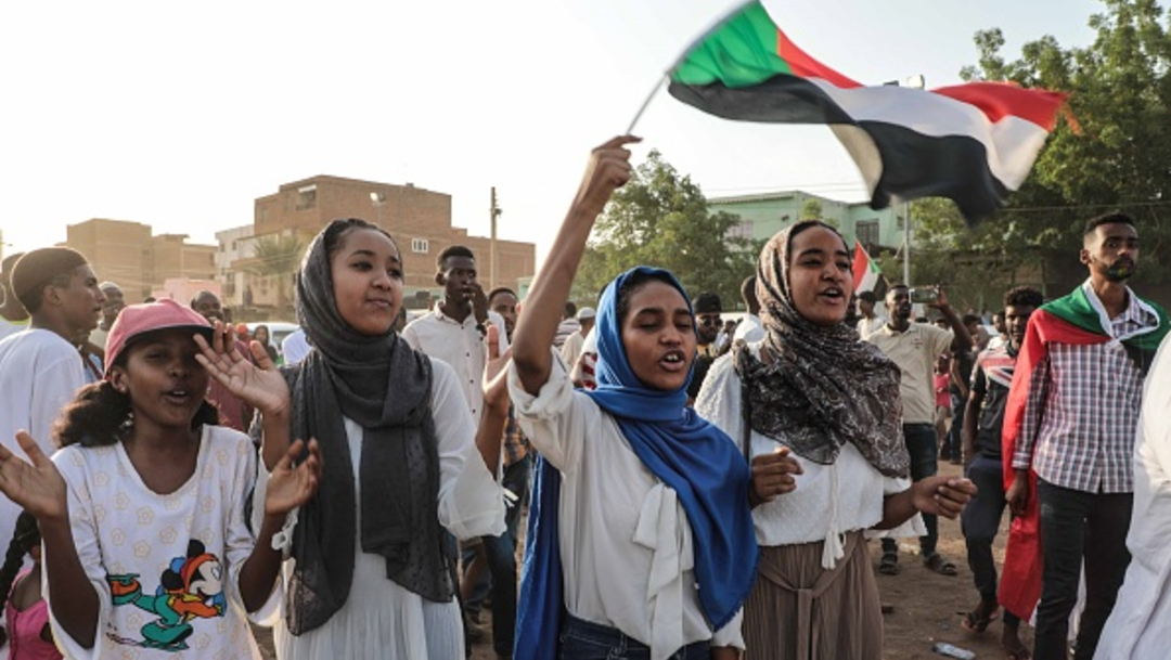 Foto: La gente salió a la calle a celebrar el acuerdo, 6 de julio de 2019 (Getty Images)