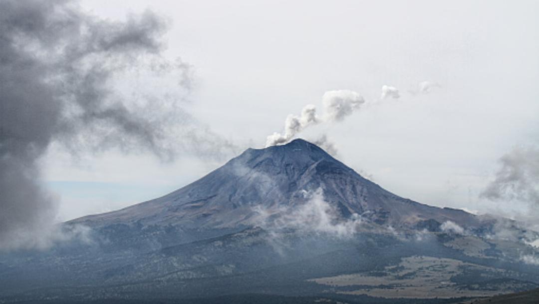 Imagen: El Semáforo de Alerta Volcánica se encuentra en Amarillo Fase 2, 28 de julio de 2019 (Getty Images, archivo)