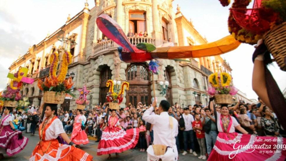 Foto: Las comunidades indígenas mostraron su música, sus danzas y sus, costumbres, 28 de julio de 2019 (Twitter @GuelaguetzaOf)