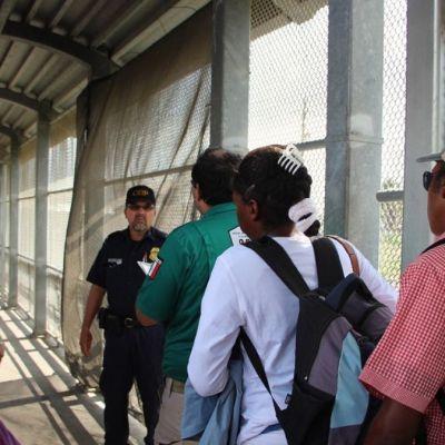 Regresan a México a más de 10 mil migrantes que buscan asilo en Estados Unidos