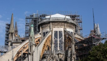FOTO Ola de calor en Europa amenaza catedral de Notre Dame (AP)
