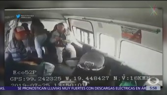 Pareja asalta camioneta de transporte público en Naucalpan, Edomex