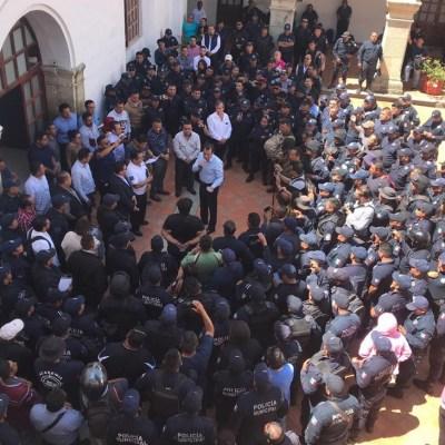 Policías de Oaxaca paran labores para exigir recursos