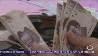 Peso sube hasta 2.33%, tras renuncia de Carlos Urzúa