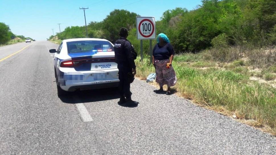 Foto: La mujer pretendía llegar a pie a la frontera con los Estados Unidos, 11 se julio de 2019 (SSP de Tamaulipas)