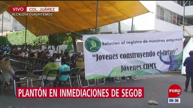 Realizan plantón frente a Secretaría del Bienestar, en CDMX