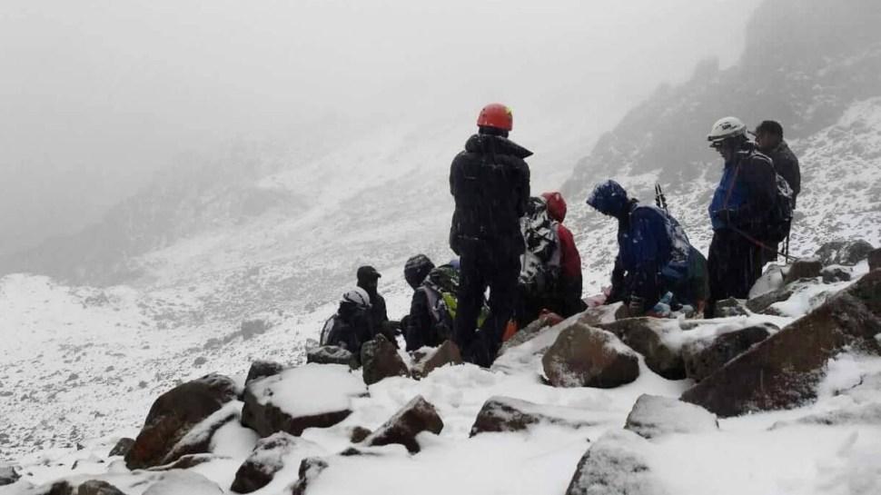 Rescate de alpinista que sufrió caída en el Iztaccíhuatl