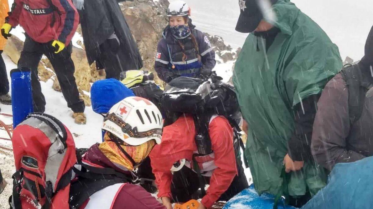 El alpinista se fracturó una pierna