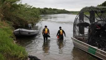 Foto: agentes de la Patrulla Fronteriza buscan a menor desaparecida en el río Bravo, 3 de julio 2019. EFE