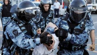 Suman más de 200 detenidos durante manifestación opositora en Moscú