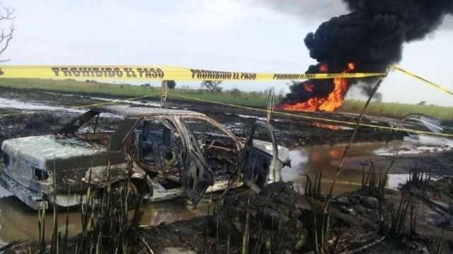 FOTO Senado aprueba Ley de Extinción de Dominio; en la imagen, explosión de ducto por toma clandestina en Veracruz (Noticieros Televisa)