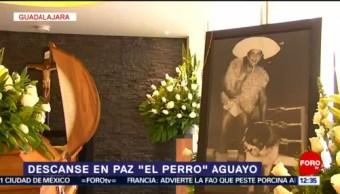 Velan restos del luchador mexicano 'Perro' Aguayo en Guadalajara