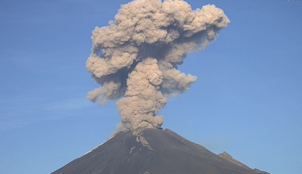 Foto: El volcán Popocatépetl lanza columna de humo y ceniza, 9 de julio de 2019, Puebla, México
