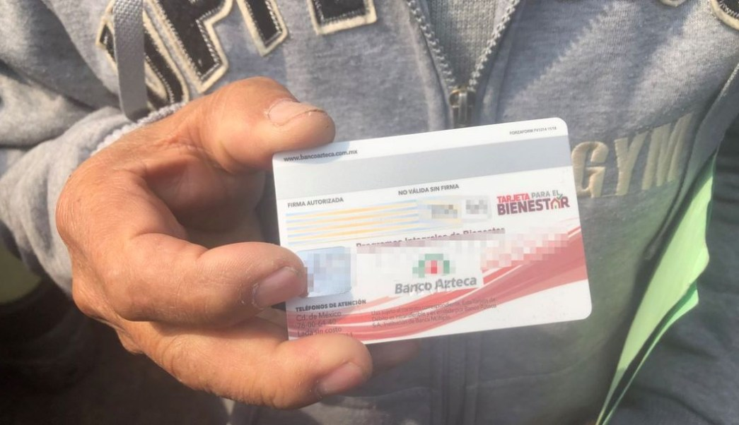 Foto Adultos mayores no han recibido tarjeta pensión alimentaria 15 agosto 2019