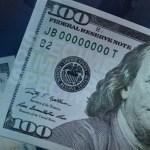 FOTO Dólares decomisados y cuentas congeladas, también para pobres, anuncia AMLO; en la imagen, un billete de 100 dólares (AP, archivo)
