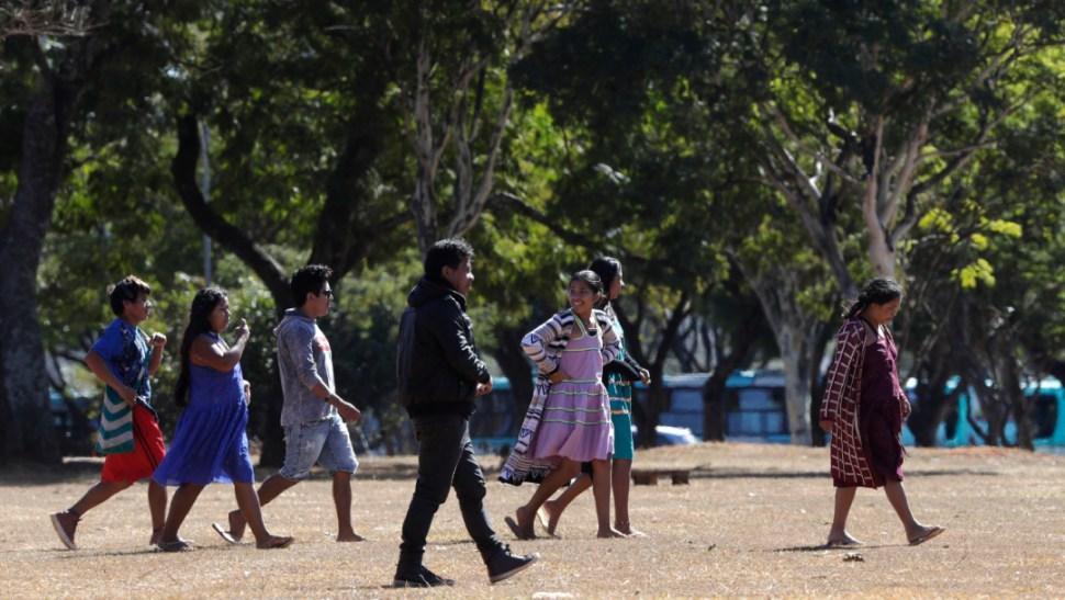 Foto: Los indígenas han permanecido en alerta desde la asunción de Bolsonaro, 10 de agosto de 2019 (AP)
