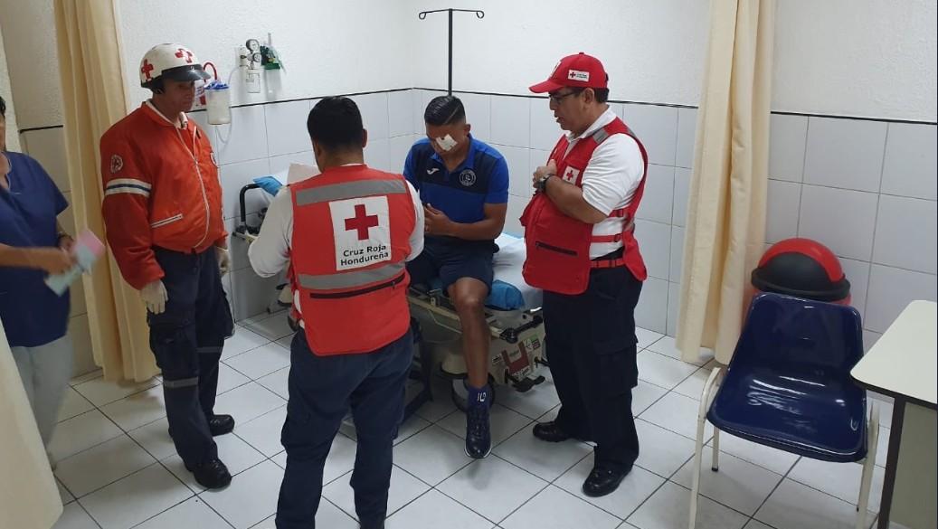 Foto: Los jugadores del Motagua lesionados fueron trasladados a un hospital para su atención, 18 de agosto de 2019 (Twitter Motagua)