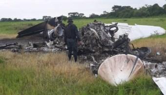 Mueren dos mexicanos tras estrellarse avioneta con cocaína en Guatemala