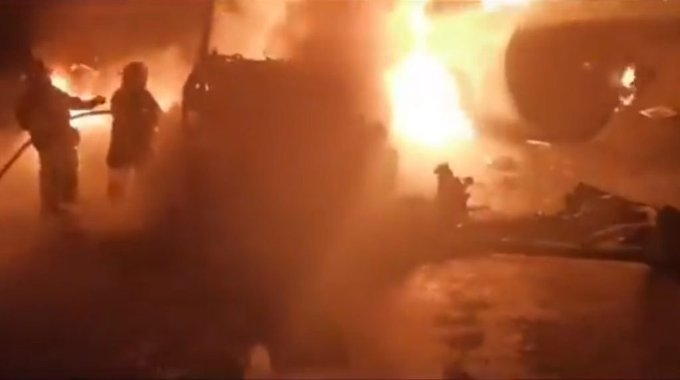 Foto Chofer muere calcinado tras explotar pipa en San Mateo Atenco 14 agosto 2019