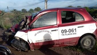 Foto: El chofer del camión resultó con lesiones graves y fue trasladado al hospital del municipio, 12 de agosto de 2019 (Twitter @municipios_oax)
