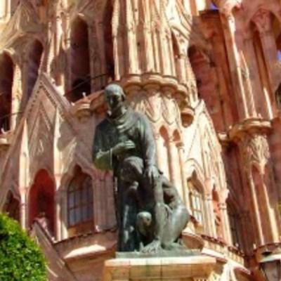 Cierran 15 templos en Guanajuato en protesta por la violencia