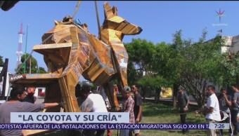 Colocan escultura de coyote en honor de migrantes, en Chiapas