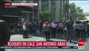 Damnificados bloquean calzada San Antonio Abad, CDMX