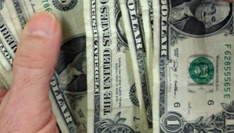 FOTO Peso mexicano cae ante dólar, atento a mercados argentinos (AP)