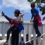 Foto: Los migrantes trataron de escapar de un refugio en Villahermosa, Tabasco , 18 de agosto 2019. (Twitter @DiarioDeTabasco)