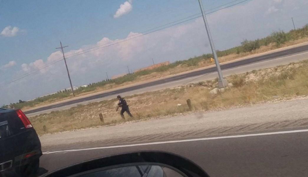 Foto: Los dos atacantes y la Policía iniciaron una persecución, en Texas, 31 de agosto de 2019 (Twitter)