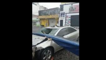Foto: La explosión dejó daños en construcciones aledañas y algunos vehículos, el 18 de agosto de 2019 (Noticieros Televisa)