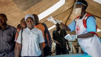 Foto: Cruz Roja realiza campañas de vacunación contra el ébola en Uganda. AP