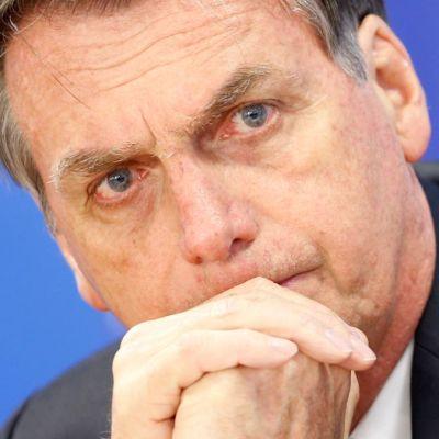 Bolsonaro elogia a militar que ordenó torturas durante dictadura en Brasil