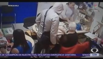 Hombres armados asaltan colegio en Iztapalapa