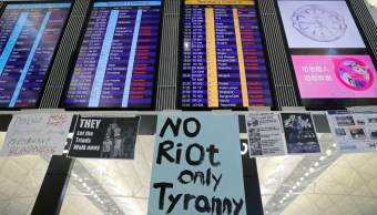 Hong Kong suspende vuelos por una protesta en el aeropuerto