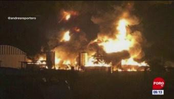 Incendio en contenedores de aceite crudo en Tabasco