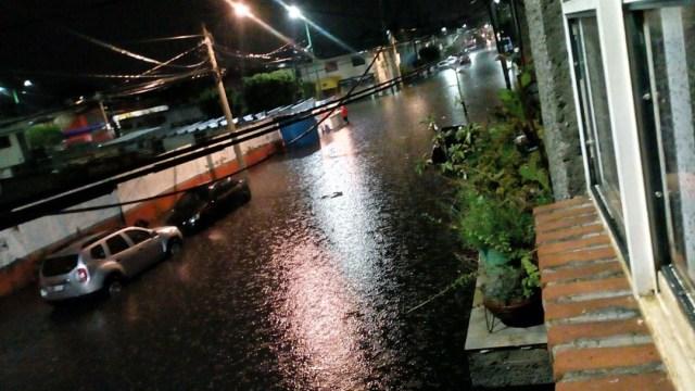 Fuerte lluvia provoca serias afectaciones en la colonia Santa María Aztahuacan, 8 agosto 2019