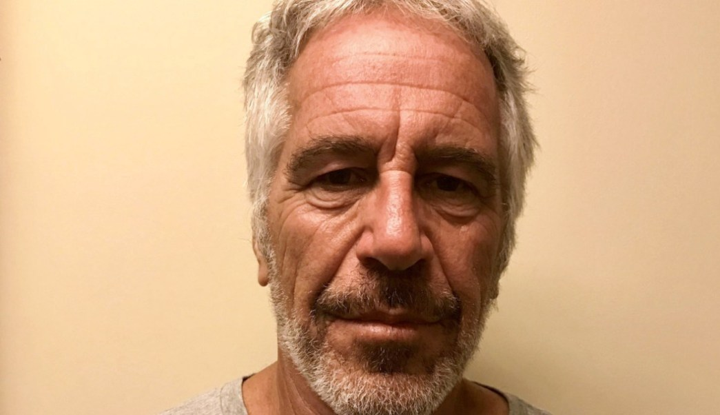 Autopsia de Jeffrey Epstein revela fractura de cuello