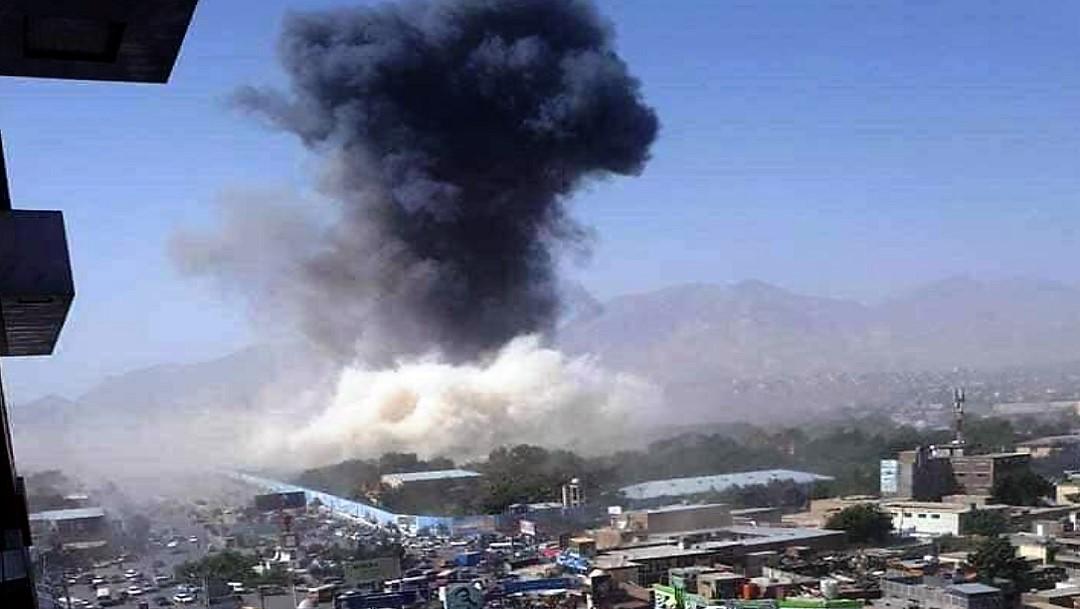 Atentado talibán con vehículo cargado de explosivos en Kabul deja al menos 95 heridos